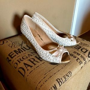 White Lace Detailed Wedges